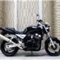 雅马哈FZ400摩托车